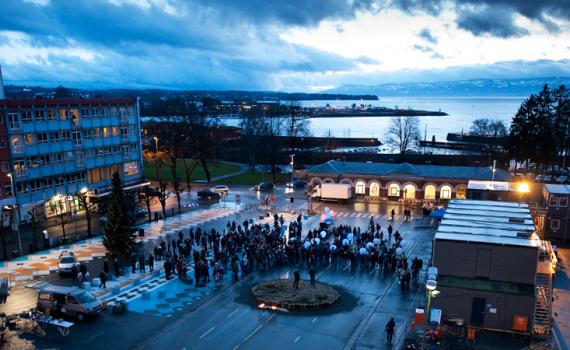 Partecipazione cittadina nella piazza di Hamar